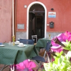 Breakfast-in-cortile.jpg